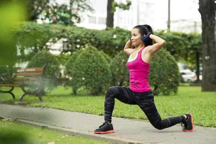 Walking Lunges or simple lunges are excellent knee workouts