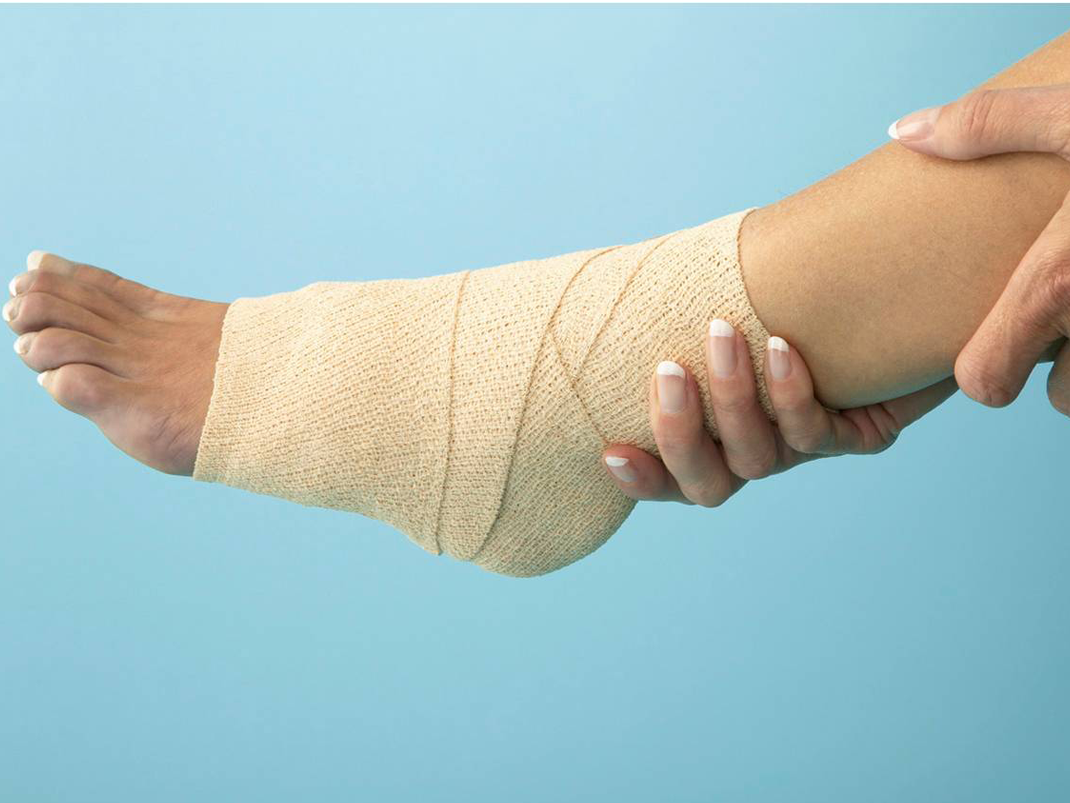 Ankle pain can turn serious if neglected at first. Get expert attention immediately.