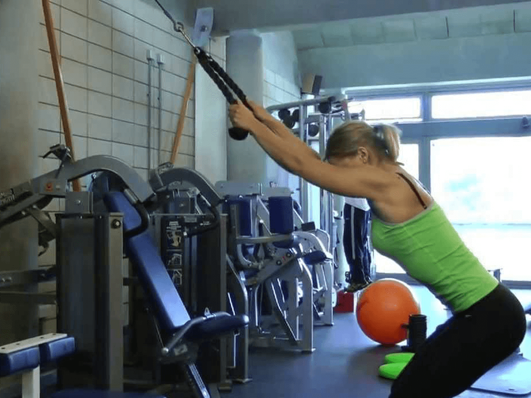 Cable pull-down for back, shoulders and triceps