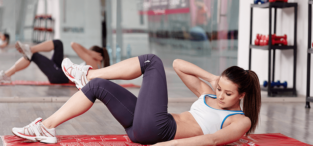Oblique crunch variation for women