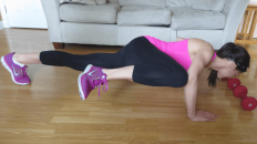 You can easily perform the spiderman pushup in your living room, while setting your weights aside (Image:Lizziefit.com)