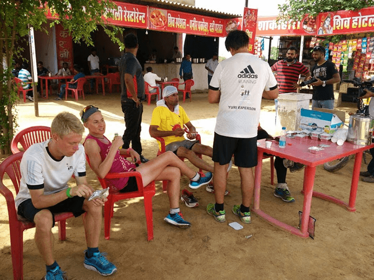 A spot of shade to beat the sun on Day 3 of The Great India Run